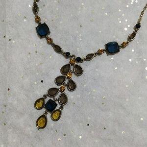 Beautiful classy necklace